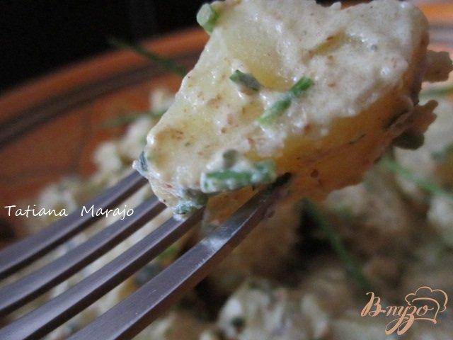 Фото приготовление рецепта: Теплый картофельный салат шаг №5