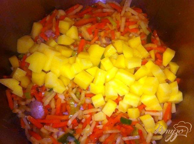 Фото приготовление рецепта: Суп с белой колбасой шаг №3