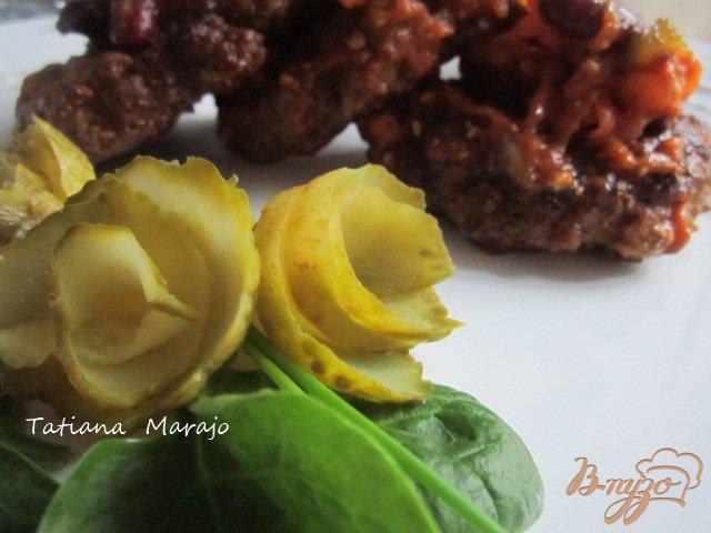 Фото приготовление рецепта: Котлетки с овощным соусом шаг №7