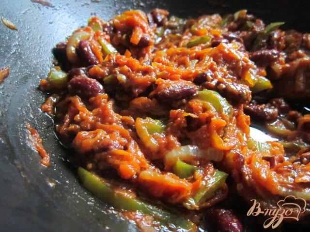 Фото приготовление рецепта: Котлетки с овощным соусом шаг №5