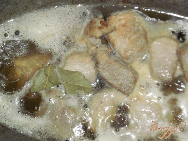 Фото приготовление рецепта: Жаркое из свинины с картофелем шаг №3