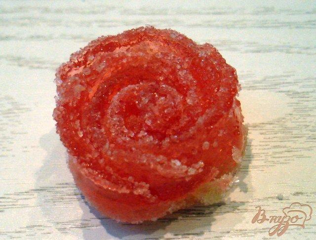 Фото приготовление рецепта: Розочки из мармелада (для украшения тортов) шаг №4