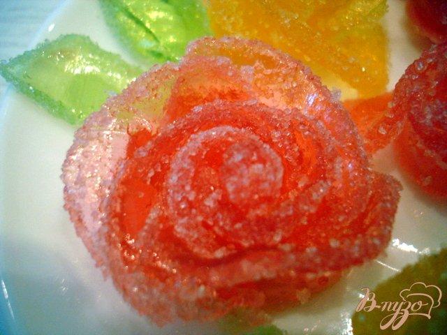 Фото приготовление рецепта: Розочки из мармелада (для украшения тортов) шаг №5