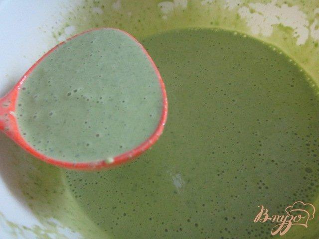 Фото приготовление рецепта: Шпинатные  блины с гусиным паштетом шаг №5