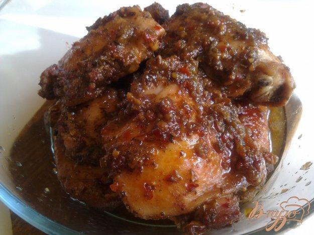 Рецепт Куриные бедра в маринаде из ткемали.