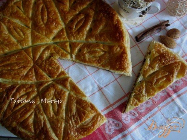 фото рецепта: Пирог с франжипаном из лесного ореха