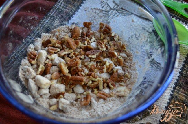 Фото приготовление рецепта: Кекс с сахарным сиропом и с корицей. шаг №6
