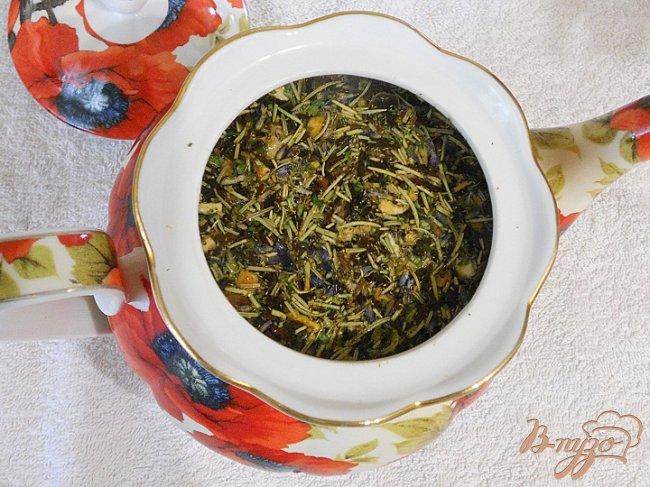 Фото приготовление рецепта: Чай с розмарином, лавандой и имбирем шаг №3