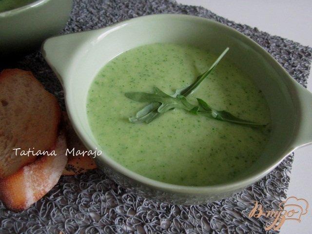 Фото приготовление рецепта: Кабачковый суп с рукколой шаг №5