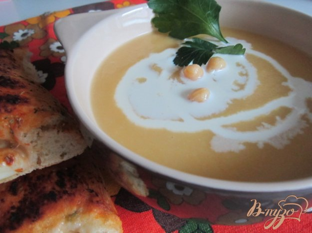 фото рецепта: Суп-пюре из желтой репы и гороха нут