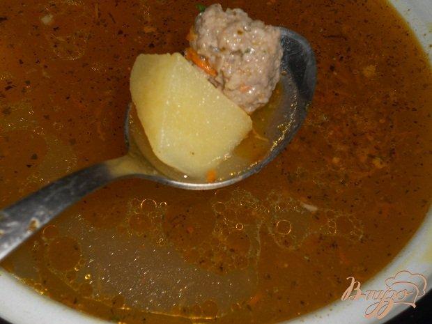 Фото приготовление рецепта: Суп с фрикадельками шаг №3