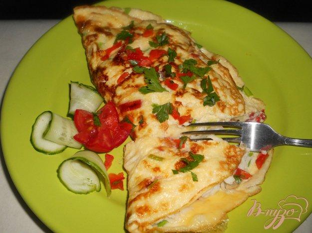Рецепт Омлет с рыбой и сыром