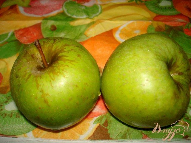 Фото приготовление рецепта: Печень с яблоками и луком шаг №1