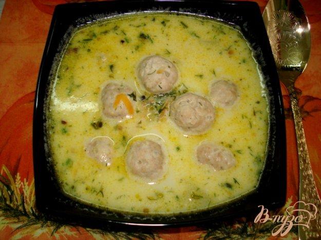 фото рецепта: Суп с фрикадельками и сыром