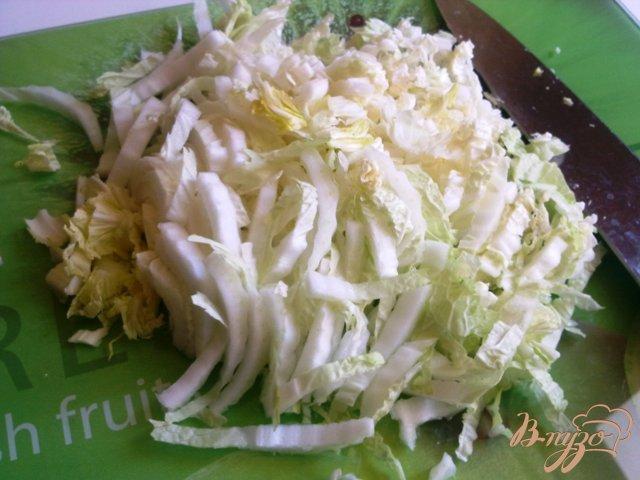 Фото приготовление рецепта: Салат со спаржей и пекинской капустой шаг №1