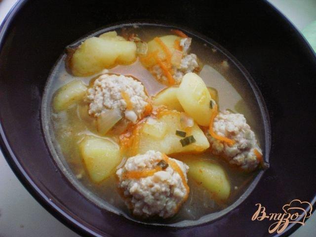 Фото приготовление рецепта: Густой суп с фрикадельками шаг №6
