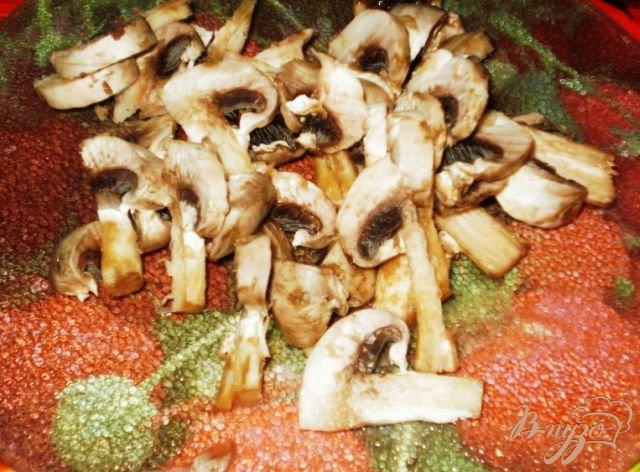 Фото приготовление рецепта: Суп-лапша с грибами и мясом шаг №3