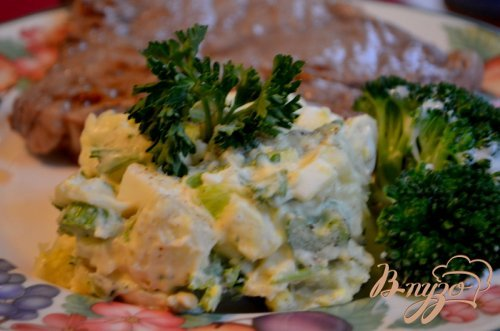 Салат картофельный с релиш соусом