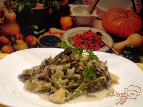 Фасоль с грибами в соусе