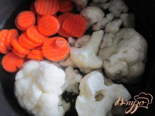 Овощной пикантный крем с чипсами из ветчины