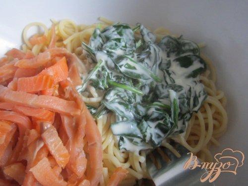 Спагетти с копченой семгой