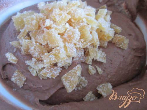 Шоколадный кекс с имбирными цукатами