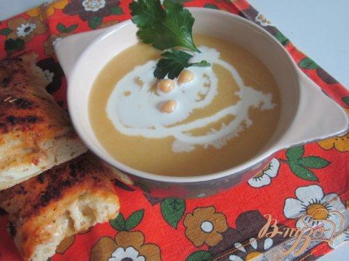Суп-пюре из желтой репы и гороха нут