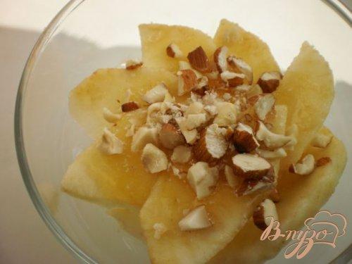 Десерт из яблок и творожного крема