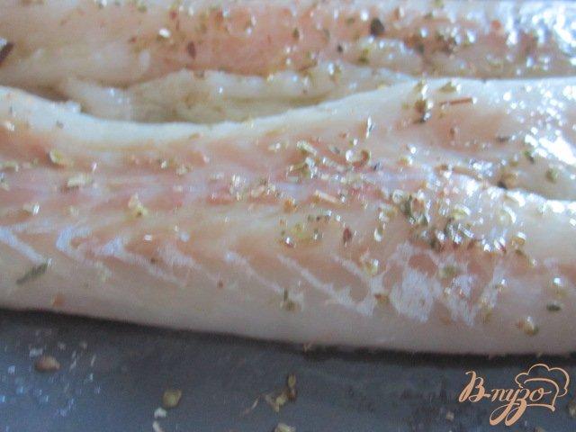 Фото приготовление рецепта: Филе скумбрии с двумя соусами шаг №1