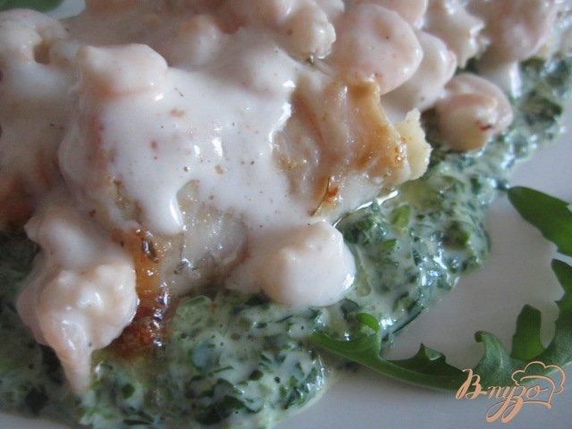 Фото приготовление рецепта: Филе скумбрии с двумя соусами шаг №7