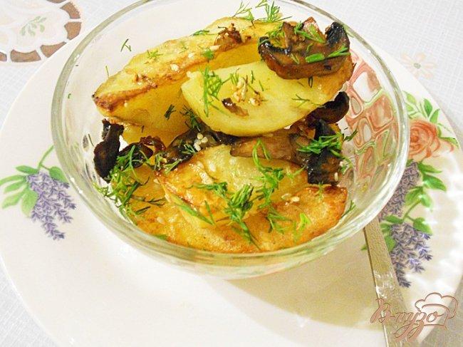 Фото приготовление рецепта: Запеченный картофель с грибами шаг №5
