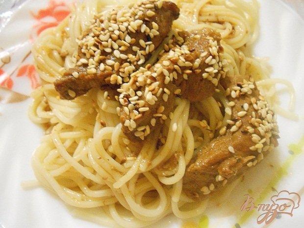 Фото приготовление рецепта: Сочная телятина в кунжуте шаг №5