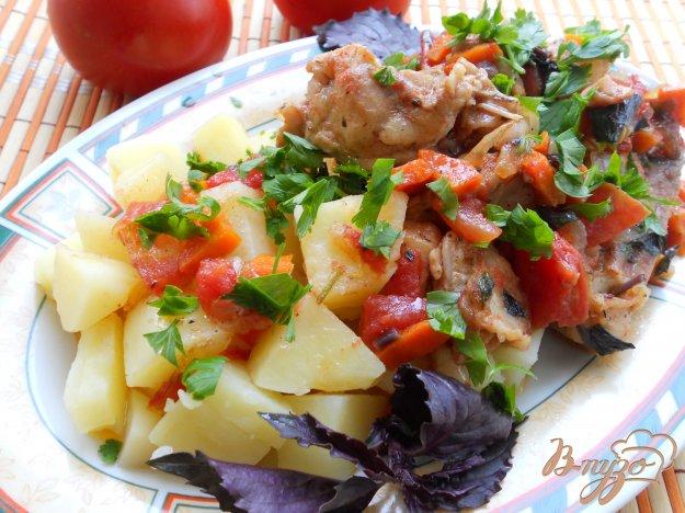 Рецепт Курица с помидорами, соевым соусом и базиликом