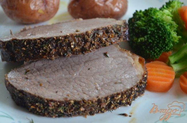 Фото приготовление рецепта: Жаркое из говядины с пряной корочкой шаг №5