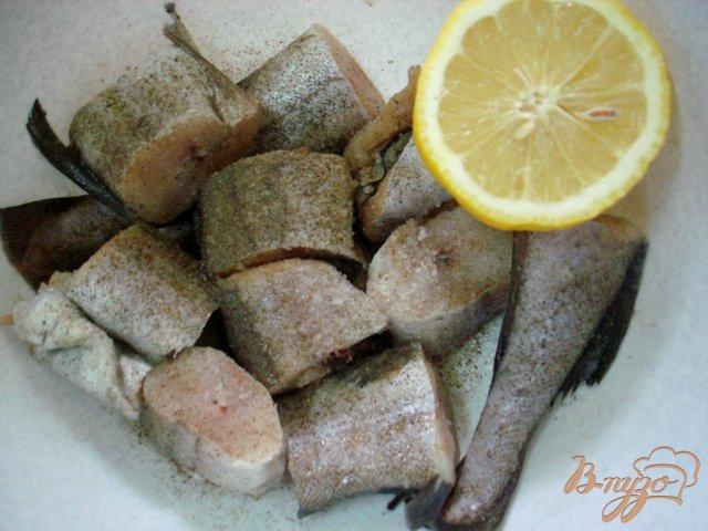 Фото приготовление рецепта: Рыба под майонезом шаг №1