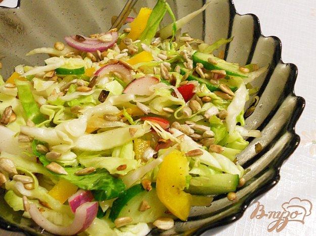 Рецепт Весений салат с семечками