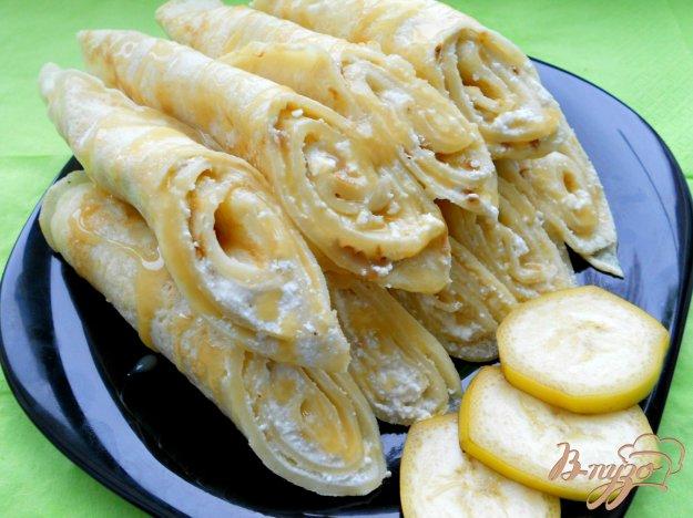 Рецепт Блины на кефире с творожно-банановой начинкой