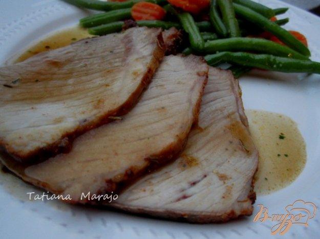 фото рецепта: Свинина в горчично-медовой глазури с розмарином
