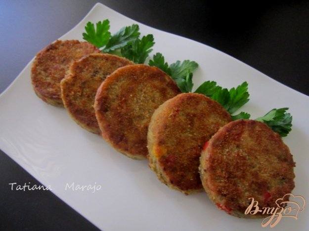Рецепт Биточки из баклажана и гороха нут