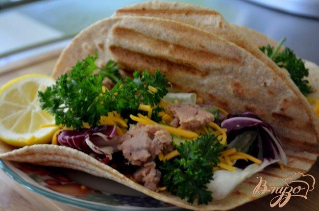 фото рецепта: Тортилья с тунцом