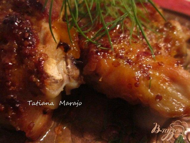 Фото приготовление рецепта: Куриные бедрышки в горчично-персиковой глазури шаг №6