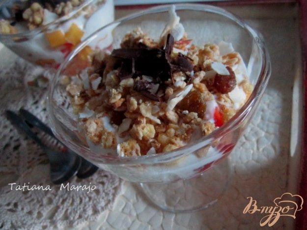 Рецепт Фруктовый салат с творогом и мюсли