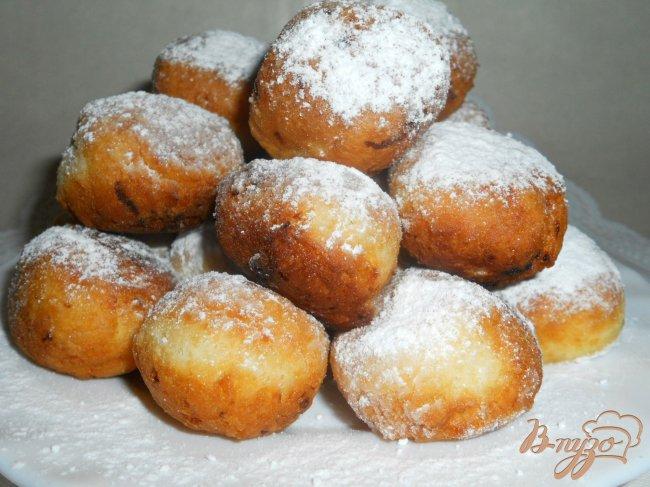 Фото приготовление рецепта: Тающие во рту творожные пончики шаг №5