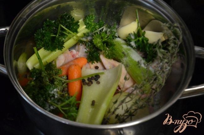Фото приготовление рецепта: Куриный бульон шаг №1