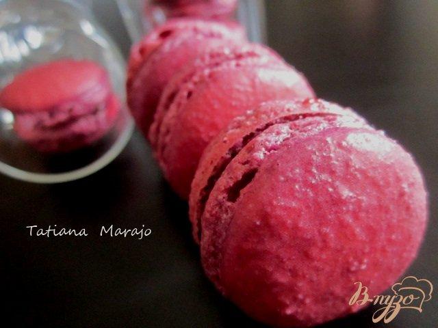 Фото приготовление рецепта: Смородиновые макарон шаг №8
