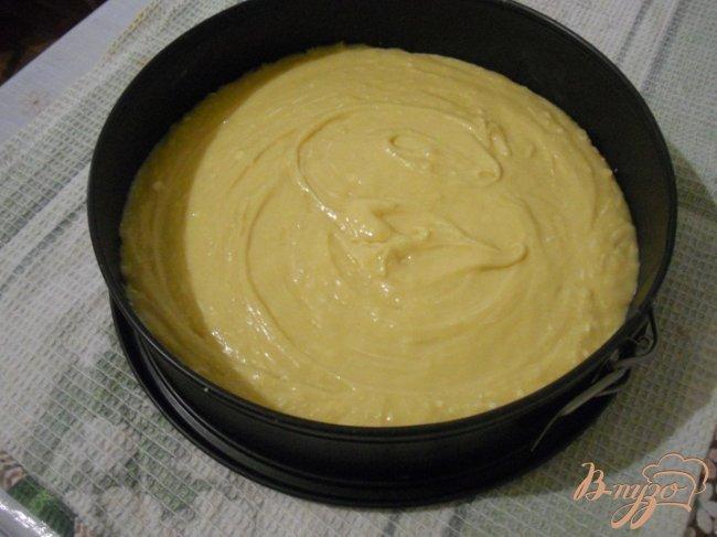 Фото приготовление рецепта: Медовый бисквит с заварным кремом шаг №2