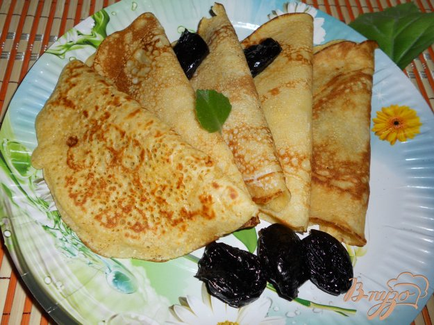 Рецепт Кукурузные блинчики с черносливом и медом