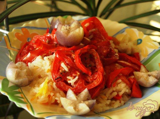 """Рецепт Рис """"под шубой"""" из перца и помидор на овощной подушке"""