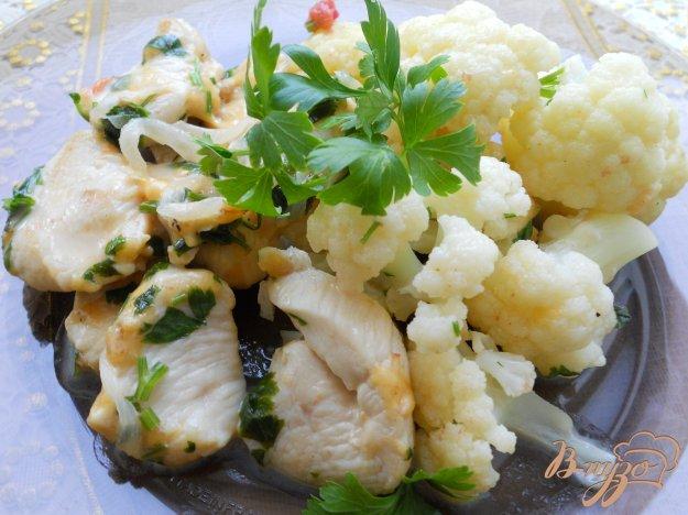 Рецепт Куриное филе с цветной капустой в сырном соусе