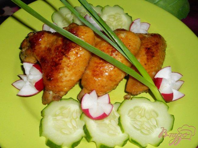 Фото приготовление рецепта: Куриные крылышки в соевом соусе шаг №5